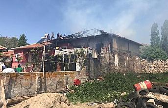 Sorgun'da ev yangını