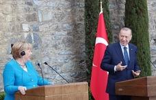 Cumhurbaşkanı Erdoğan ile Angela Merkel arasında güldüren 'koalisyon' diyaloğu