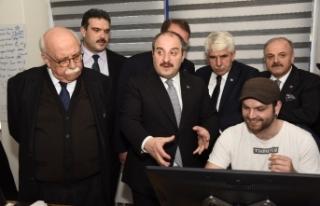 Sanayi ve Teknoloji Bakanı Varank'tan Anadolu Üniversitesine...