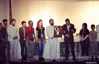 'Ayvalık Tiyatro Festivali'ne; Anadolu Üniversitesi...