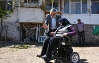 Başkan Bozkurt yatağa bağlı engellinin hayatına...
