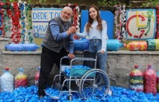 Dede-torun mavi kapaklarla 210 kişiye umut oldu