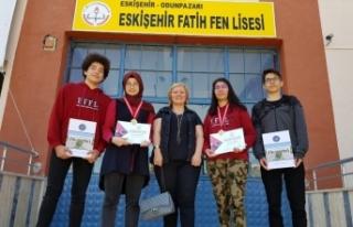 Eskişehir Fatih Fen Lises ekibi Antalya'dan madalyalarla...