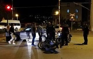 Kırıkkale'de otomobil ve iki motosiklet çarpıştı:...