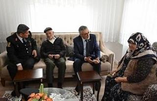 Başkan Bozkurt şehit ailelerini ziyaret etti