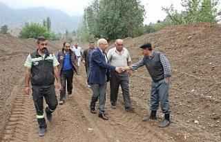 Çakırözer'den Sarıcakaya'daki çiftçilere...