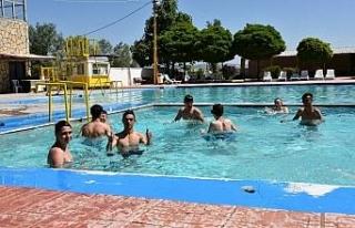 Havuz sezonu İnönü Pınarbaşı'nda açıldı