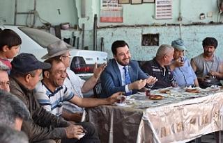 AK Parti Tepebaşı'ndan 'Çaylar Sizden Simitler...