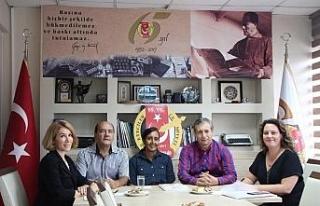 İngiliz Müsteşar Eskişehir'de gazetecilerle...