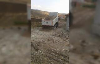 İnönü'de yeni oluşan mahallelerde yol açma...