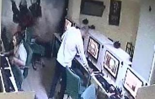 İnternet kafedeki hırsızlık kameralarda