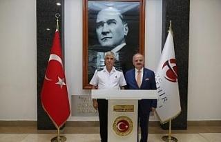 Jandarma Genel Komutanı Çetin, Vali Çakacak'ı...