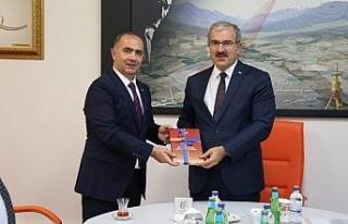 Kütahya Valisi Ömer Toraman'dan Eskişehir Tapu...