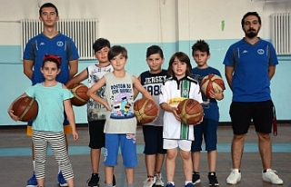 Anadolu Üniversitesi Yaz Spor Okulunda geleceğin...