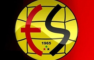 Eskişehirspor'da 3 futbolcuyla yollar ayrılıyor