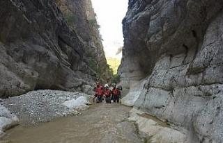 AKUT Eskişehir ekibi Harmankaya Kanyonunda incelemelerde...