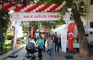 Eskişehir'de Halk Sağlığı Sokağı etkinliği...