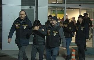 Dolandırıcı çift tutuklandı