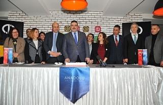 Anadolu Üniversitesi sosyal medya birinciliğini...