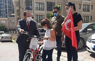 Cumhurbaşkanı Erdoğan'dan çocuklara bayram...