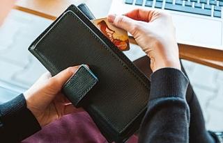Banka ve kredi kartı ile yapılan harcamalar yüzde...