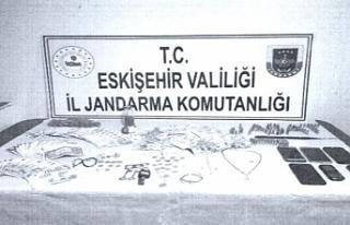 Jandarma hırsızları çadırda yakaladı