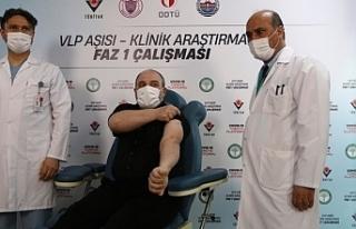 Bakan Varank Yerli aşı gönüllüsü oldu