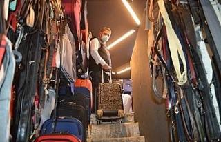 Turizm hareketliliği çanta ve valiz satıcıların...