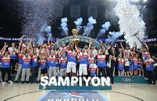 2020-2021 Basketbol Süper Ligi şampiyonu Anadolu...