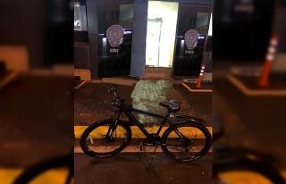 Çaldığı bisikleti internetten satmak isteyince...