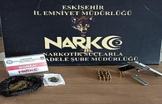 Eskişehir'de uyuşturucu operasyonunda 4 kişi...