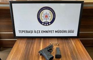Kurusıkıdan bozma tabancayla polis uygulama noktasında...