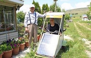 Eşine sera malzemelerinden elektrikli araba yaptı