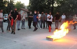 AK PARTİ GENÇLİK KOLLARI TEMEL AFET BİLİNCİ...