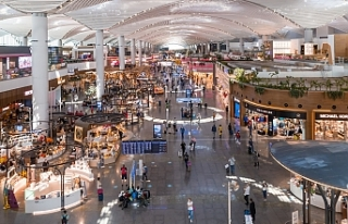 Bayramın tatilinin son gününde İstanbul Havalimanı'nda...