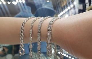 Yasaksız düğünler gümüş satışını arttırdı