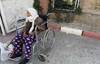 87 yaşındaki alzaymır hastası kadını otobüsten...