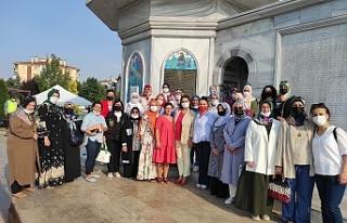 AK Parti Eskişehir Kadın Kolları'ndan vatandaşlara...