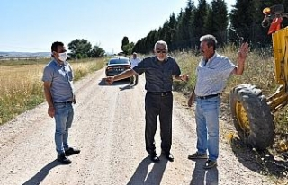 Başkan Bozkurt sıcak asfalt yol yapım çalışmalarını...