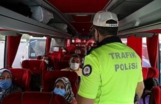 Eskişehir'de trafik ekipleri yolcu otobüslerini...