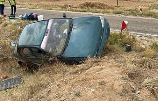 Şarampole yuvarlanan araçta 4 kişi yaralandı