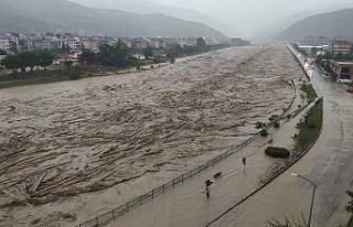Sinop'ta sel: Ayancık Çayı taştı