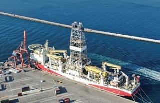 Yavuz Sondaj gemisi Haydarpaşa'ya demirlendi