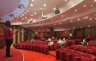 AKUT Arama Kurtarma Derneği Eskişehir ekibi gönüllü...