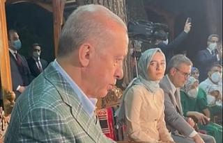 Cumhurbaşkanı Erdoğan, şiirini dinlerken gözyaşlarını...