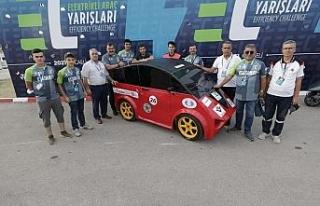 Eskişehir temsilcisi elektrikli otomobil TeknoFest'ten...