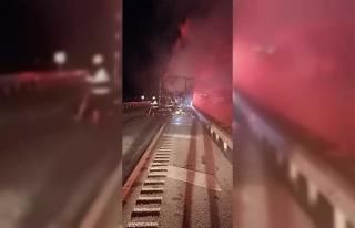 Kargo taşıyan kamyon alev alev yandı, içindekiler...