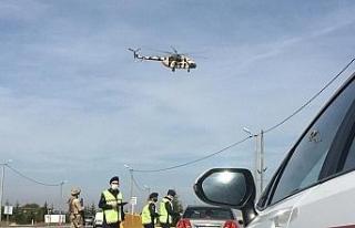 Helikopter destekli trafik denetimde 35 sürücüye...