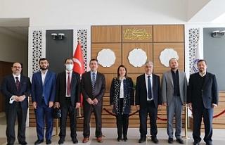 Milletvekili Emine Nur Günay Eğitim Merkezini Ziyaret...