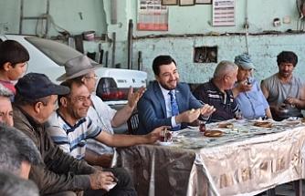 AK Parti Tepebaşı'ndan 'Çaylar Sizden Simitler Bizden' ziyaretleri